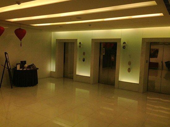 Grand Victoria Hotel:                   Elevators in lobby