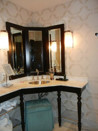 The Nines, a Luxury Collection Hotel, Portland: Sink/Vanity