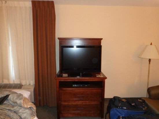 Staybridge Suites Wichita:                   TV