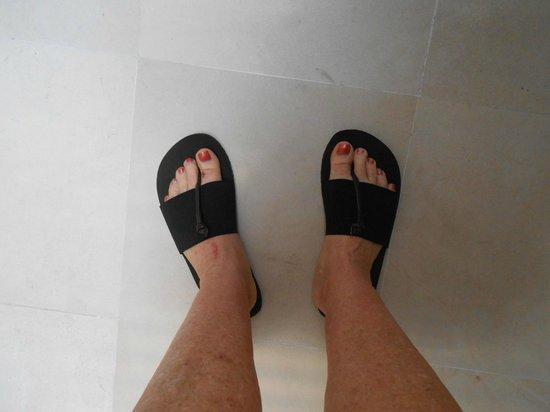 bvilla + Seaside:                   Nice comfortable shoes
