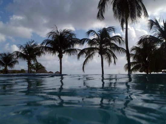 Sunscape Curacao Resort Spa & Casino:                   Infinity pool