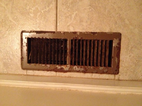 Highland Hills Motel & Cabins:                   Rusty vents