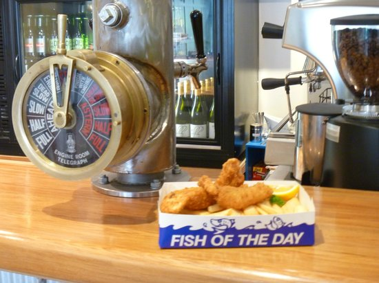 Fish hook: Classic Kiwi Fish n Chips