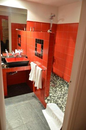 Cal Llop: The bathroom