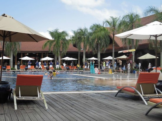 Club Med Cherating Beach:                   Piscine principale
