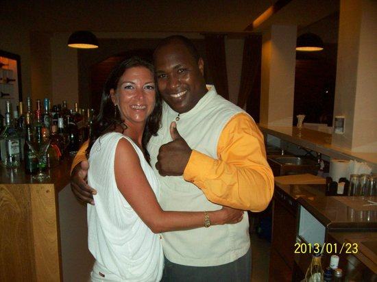 Be Live Collection Punta Cana: Lobby bar et le super barman Abel