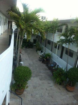 Hotel18:                                     cortile interno