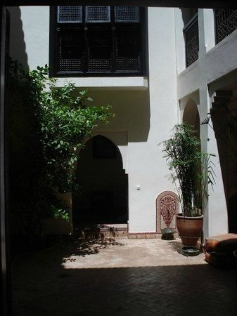 Riad Dar Zaman:                                                                                           Courty