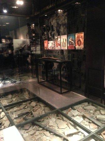 Fundación Museo de La Paz de Gernika:                   爆撃関係の展示。個々の展示物の撮影は禁止。