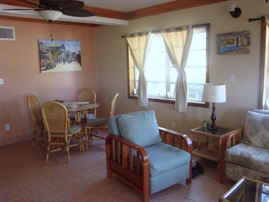 Belizean Shores Resort:                   Comfy and Cozzy