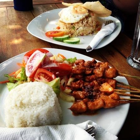 The Oasis Lagoon Sanur:                                     Nasi Goreng and chicken sate