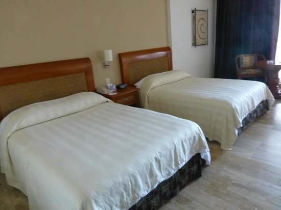Golden Parnassus All Inclusive Resort & Spa Cancun:                   Our room #515