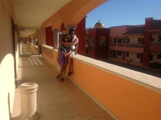 Hotel Quinta Del Sol:                   en los pasadizos del hotel
