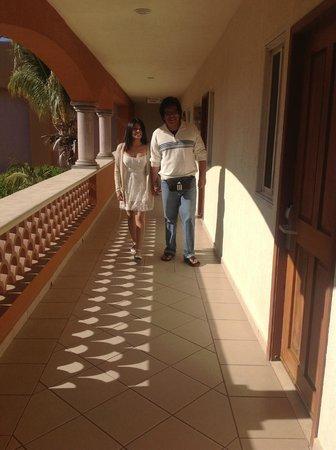 Hotel Quinta Del Sol:                   nuevamente los pasadizos