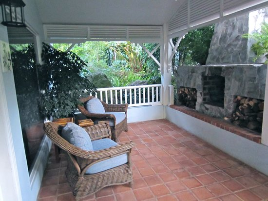 Hotel Panamonte: Fireplace Outside Honeymoon Suite