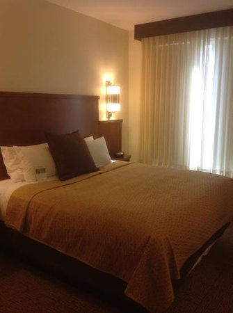 Hyatt Place North Charleston:                   king bed