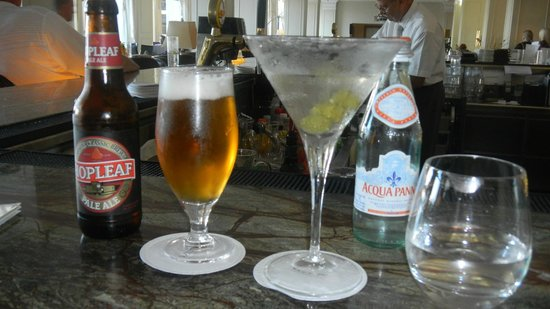 The Westin Dragonara Resort, Malta:                   staying hydrated at the lobby bar