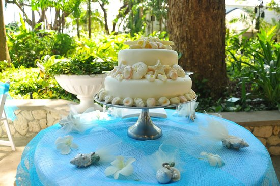 Jewel Dunn's River Beach Resort & Spa, Ocho Rios,Curio Collection by Hilton:                   Cake