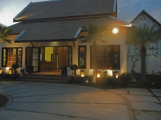 Le Sen Boutique Hotel:                   front