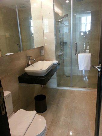 Hatten Hotel Melaka: Bathoom