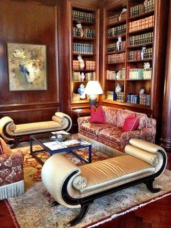Belmond Miraflores Park:                   Recepção do Hotel ( aproveite o final de tarde para curtir um piano conduzido,