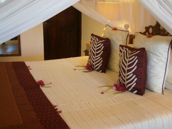 Ras Nungwi Beach Hotel:                   Bedroom