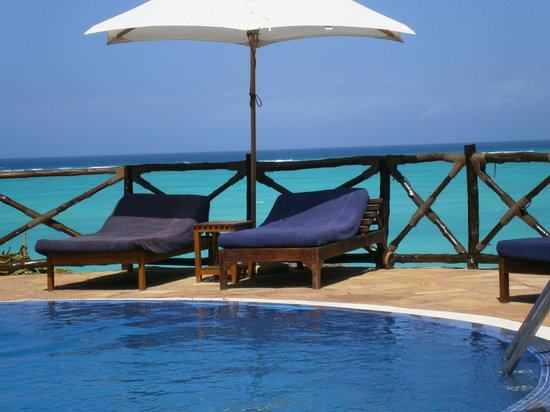 Ras Nungwi Beach Hotel:                   Swimming pool area