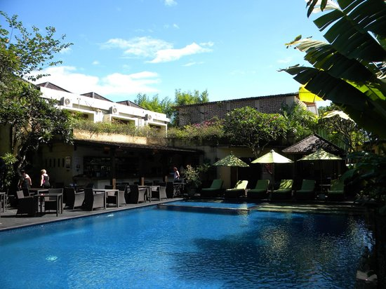 Kamuela Villas and Suite Sanur:                   Hotel Pool/Restaurant