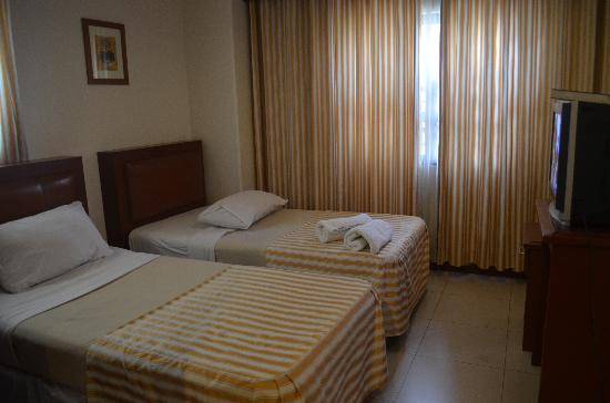 Hotel Cosmopolitan: photo of a twin room