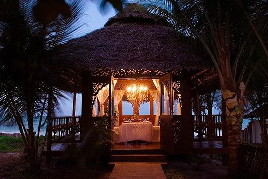 Breezes Beach Club & Spa, Zanzibar: The Tides Restaurant