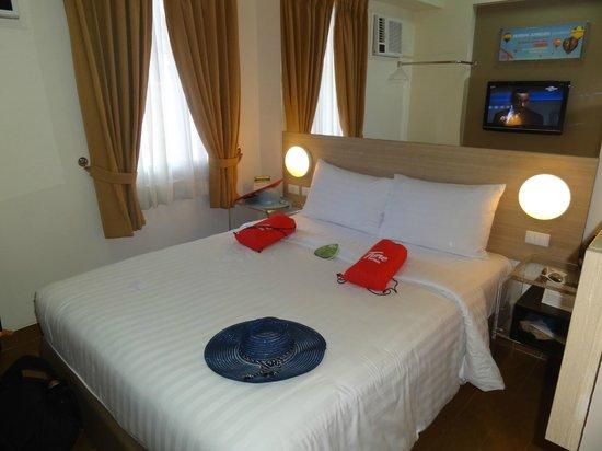 Red Planet Makati, Manila: bedroom
