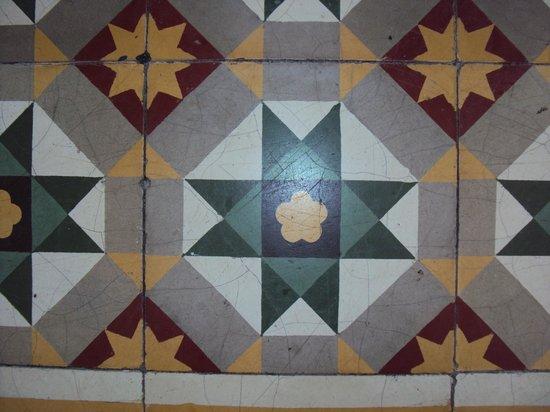 Palanquinn Heritage Suites:                   BALCONY TILE