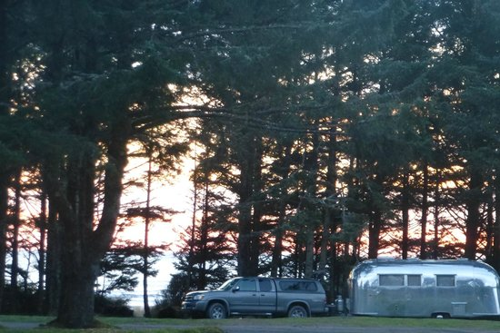 Hobuck Beach Resort :                   view from porch of cabin