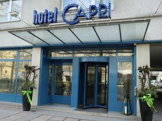 Das Capri:                   Ingresso hotel