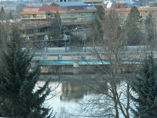 DoubleTree by Hilton Hotel Spokane City Center:                   Spokane River