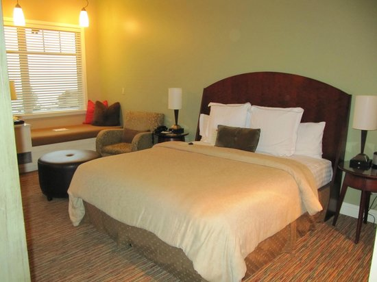Alderbrook Resort & Spa :                   King bed