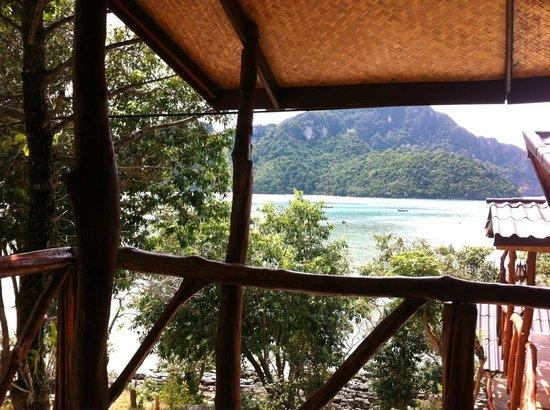 Phuphaya Seaview Resort:                   Aussicht von der Veranda