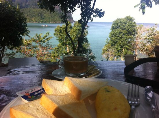 Phuphaya Seaview Resort:                   Frühstück