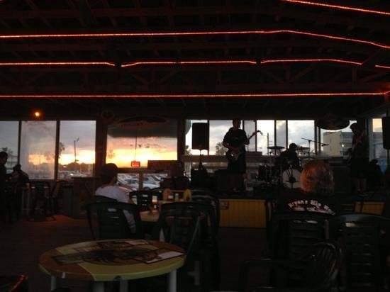 La Quinta Inn & Suites Cocoa Beach Oceanfront:                   listening to the band at Oh Shucks while the Sun Sets