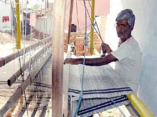 Khadi weaver -Sundarlal ji from village Udasar Bikaner