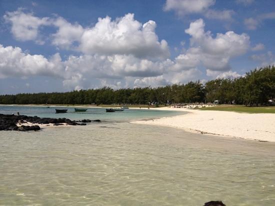 Asso Villa:                   spiaggia...