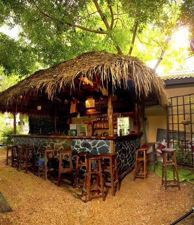 Banyan Bar : lighter