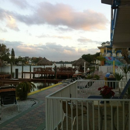 Bayview Plaza Waterfront Resort:                   Beautiful view of the bay!