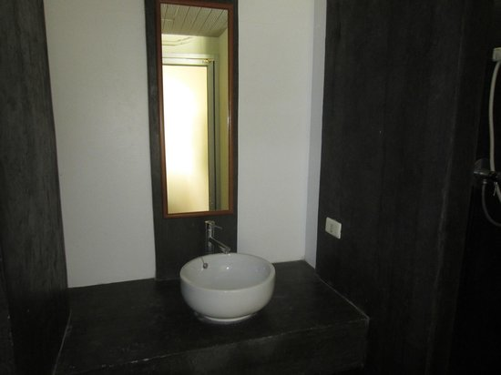 Thiptara Resort :                                     Bathroom