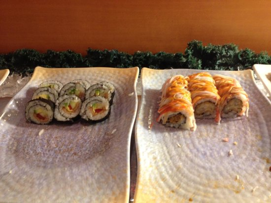 Kings Buffet:                   Sushi rolls