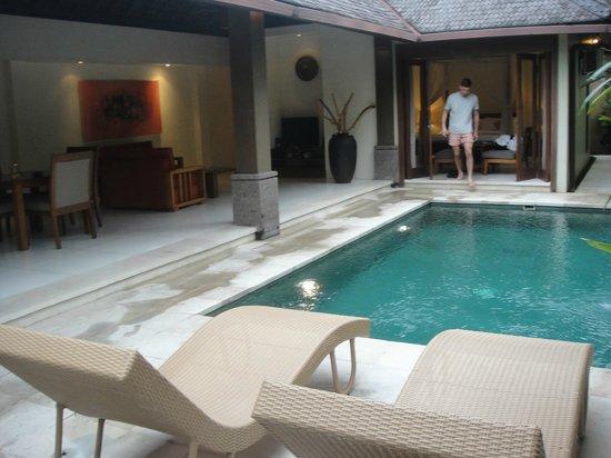 Grand Avenue Bali:                                     Open living - amazing