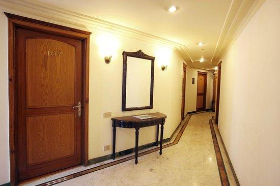 Hotel Park Residency: Hotel Lobby