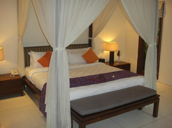 Grand Avenue Bali:                                     Bed = Heaven