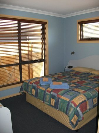 Strahan Bungalows:                   Hells Gates, bedroom 1.