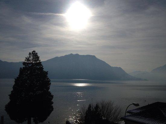 Post Hotel Weggis:                   Aussicht aus dem Deluxe Lakefront Zimmer